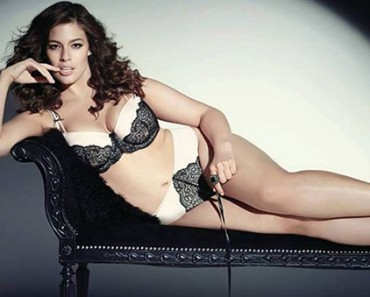 f1badb1cee3 Plus-Size Model Ashley Graham Reveals Posing in Lingerie at 14
