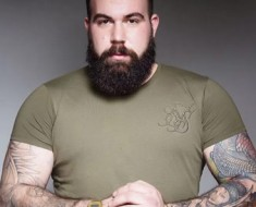 PLUS-SIZE-NEW-The-UK-Now-Has-Its-Very-Own-Plus-Size-Male-Model