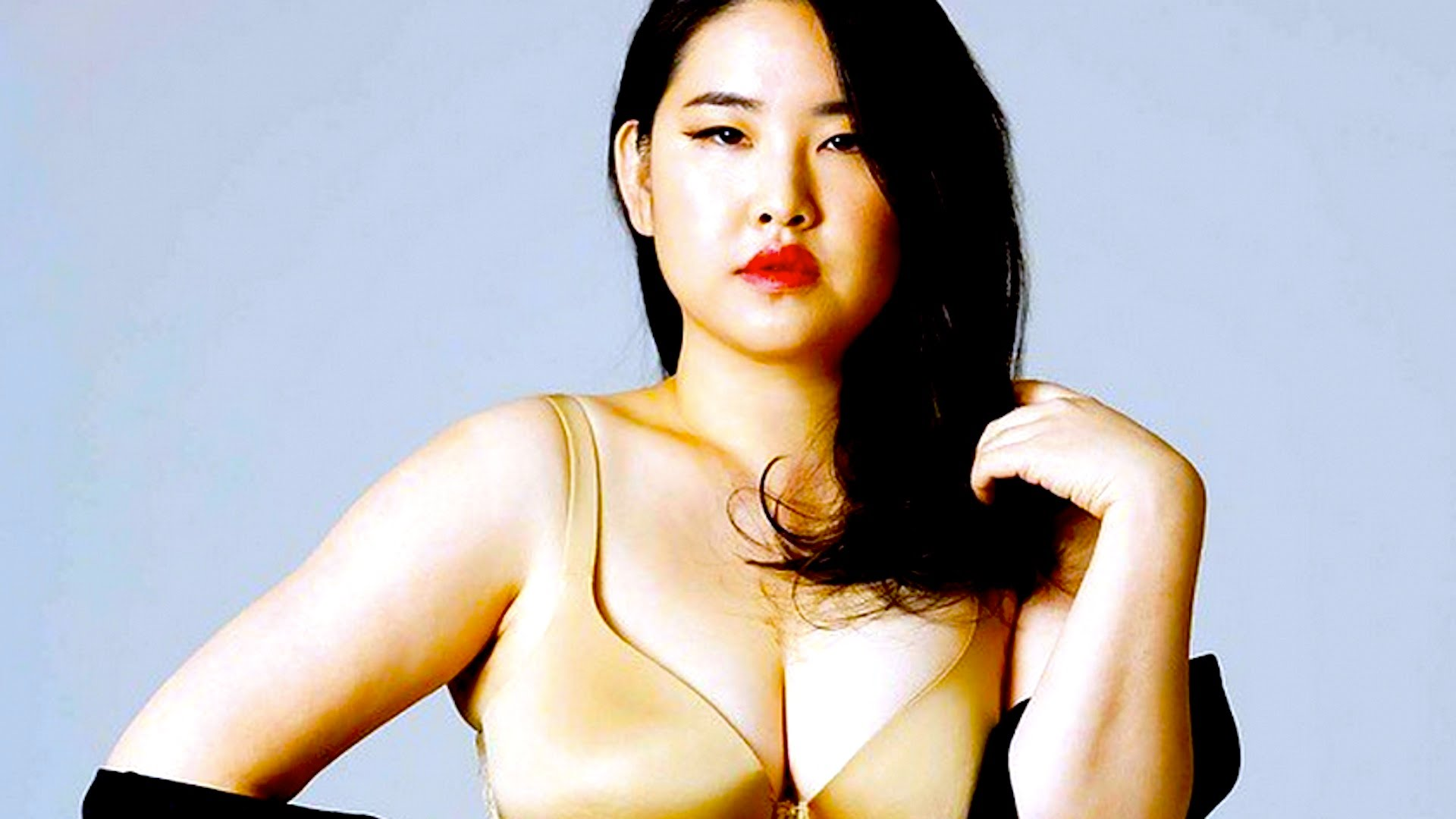Korean Plus-Size Model